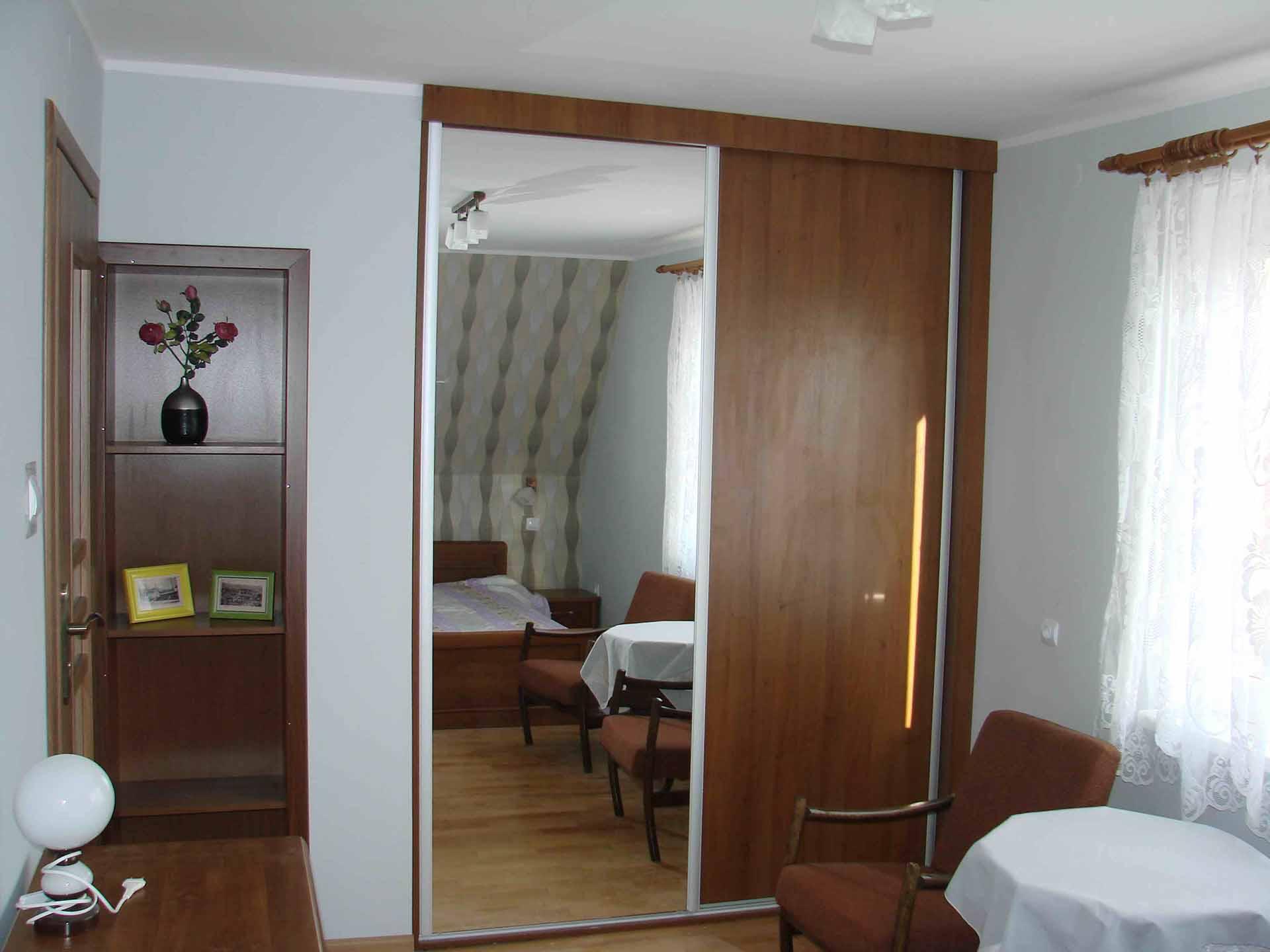 5 apartament sypialnia